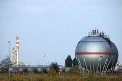 化工维修站油料储存坦克 库存图片