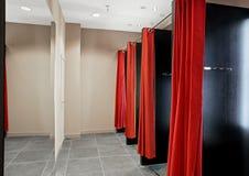 化装室在衣裳商店 免版税图库摄影