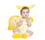 化装舞会所穿着的服装的天使的亚裔男婴 库存照片