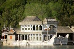 北京小船著名大理石宫殿夏天 免版税库存照片