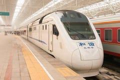 北京,中国- 2015年10月17日:中国铁路NDJ3在北京亦不 免版税库存照片