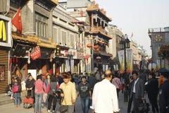 北京Dazhalan市场,著名王府井快餐街道 库存照片