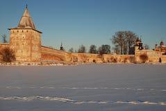 北俄国修道院在冬天 库存照片