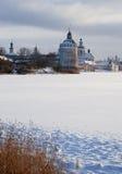 北俄国修道院在冬天 库存图片