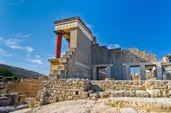北入口的后部对Knossos,克利特的 免版税库存照片