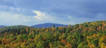 北卡罗来纳山和秋天颜色 免版税库存图片