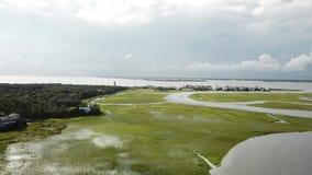 北卡罗来纳潮汐小河沼泽BHI秃头海岛小游艇船坞 股票视频