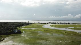 北卡罗来纳潮汐小河沼泽BHI秃头海岛小游艇船坞 影视素材