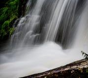 北卡罗来纳艺术性的瀑布  JPG 免版税图库摄影