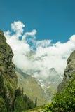北印度的五颜六色的山 免版税图库摄影