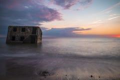 北堡垒的废墟在日落期间的在利耶帕亚,拉脱维亚 免版税图库摄影
