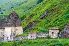 北奥塞梯的古老Alanian大墓地 库存照片