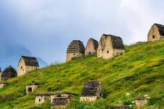 北奥塞梯的古老Alanian大墓地 免版税图库摄影