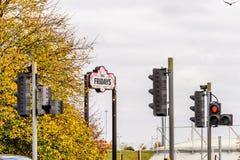北安普顿英国2017年10月29日:星期五餐馆商标签到Sixfields零售公园 图库摄影