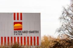 北安普顿英国2017年12月07日:霍华德史密斯纸商标签到Brackmills工业庄园 库存照片