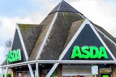 北安普顿英国2018年1月06日:Asda大型商场商标标志外部 图库摄影