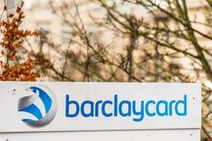 北安普顿英国2017年12月07日:Barclaycard商标签到Brackmills工业庄园 库存图片
