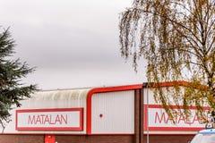 北安普顿英国2017年10月29日:Matalan商标签到Sixfields零售公园 图库摄影