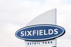 北安普顿英国2017年10月29日:Sixfields零售公园商标标志立场 库存图片