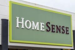 北安普顿,英国- 2017年10月26日:一个HomeSense商标的看法在Nene谷零售公园 免版税库存图片