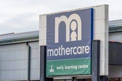 北安普顿,英国- 2017年10月26日:一个Mothercare商标的看法在Nene谷零售公园 免版税图库摄影