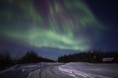 北极光严格的多色显示  免版税图库摄影
