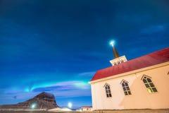 北极光在Kirkjufell冰岛 免版税库存照片