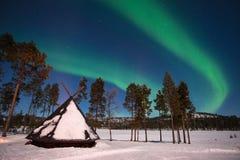 北极光,极光Borealis在拉普兰芬兰 免版税库存照片