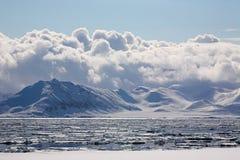 北极多云横向冬天 库存图片