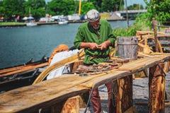北欧海盗和斯拉夫人节日的,沃林木匠 库存图片