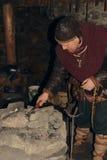 北欧海盗在铁匠铺 免版税库存图片