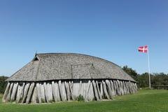 北欧海盗房子在市Hobro 免版税库存图片