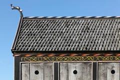 北欧海盗教会的屋顶和细节在Moesgaard 图库摄影