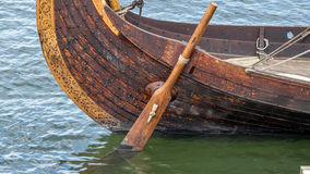 北欧海盗船船舵 库存照片