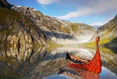 北欧海盗Ship湖,风景,国家公园 图库摄影