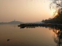 北海公园的微明在北京 库存照片