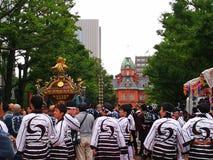 北海道寺庙传统神道的信徒的节日 库存照片