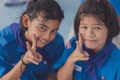 北碧泰国- 6月13日:未认出的老师和男孩s 图库摄影