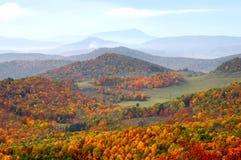 北部卡罗来纳州祖父高地的山 免版税库存照片
