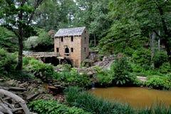 北部小岩城历史的老磨房 库存图片