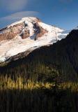 北部小瀑布Mt 贝克鸡血石的里奇冰川峰顶 图库摄影