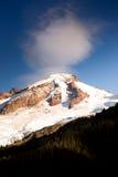 北部小瀑布Mt 贝克鸡血石的里奇冰川峰顶 免版税库存照片