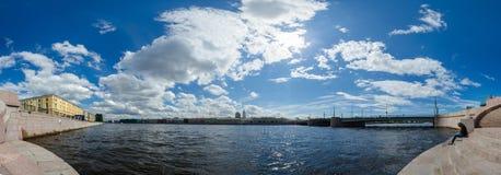 北部欧洲,圣彼得堡,列宁格勒,涅瓦河,俄罗斯 全景 免版税库存图片