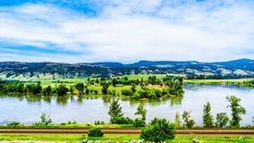 北部汤普森河在不列颠哥伦比亚省,加拿大 免版税图库摄影