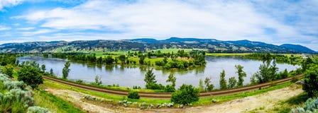 北部汤普森河在不列颠哥伦比亚省,加拿大 免版税库存照片