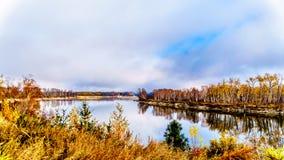 北部汤普森河在不列颠哥伦比亚省,加拿大 库存照片