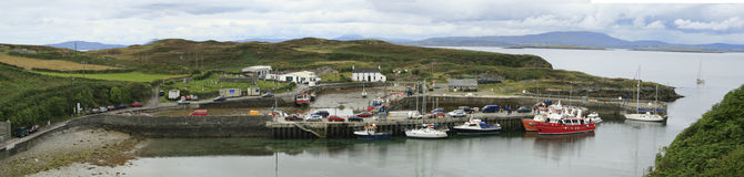 北部港口明白海岛黄柏爱尔兰 免版税库存照片