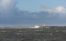 北部码头和风暴在IJmuiden 库存照片