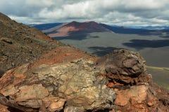 北部突破巨大扎尔巴奇克火山裂痕爆发炭渣锥体1975年 免版税库存照片
