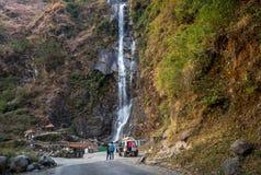 北部锡金,印度的Bhim Nala瀑布 库存照片